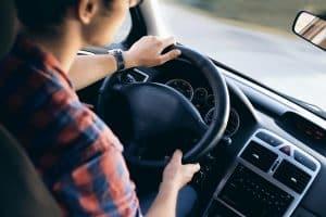 Aspek keamanan di jalan ketika berkendara mobil perlu perhatikan para pengemudi mobil. Meskipun begitu, tak sedikit pengendara yang berperilaku kurang tepat ketika berkendara di jalan raya. Selain tidak bermoral, hal ini juga bisa merugikan pengendara lain.